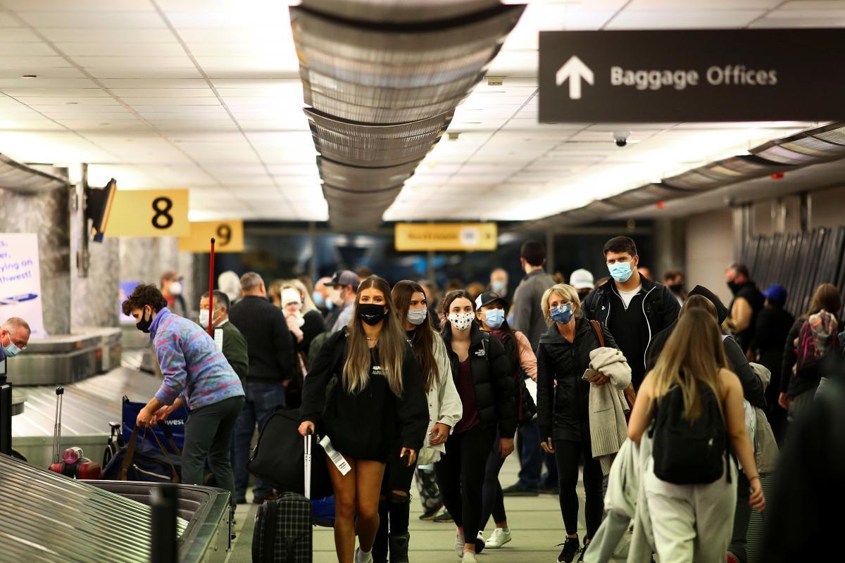 Туристів з Європи можуть пустити до США / фото REUTERS