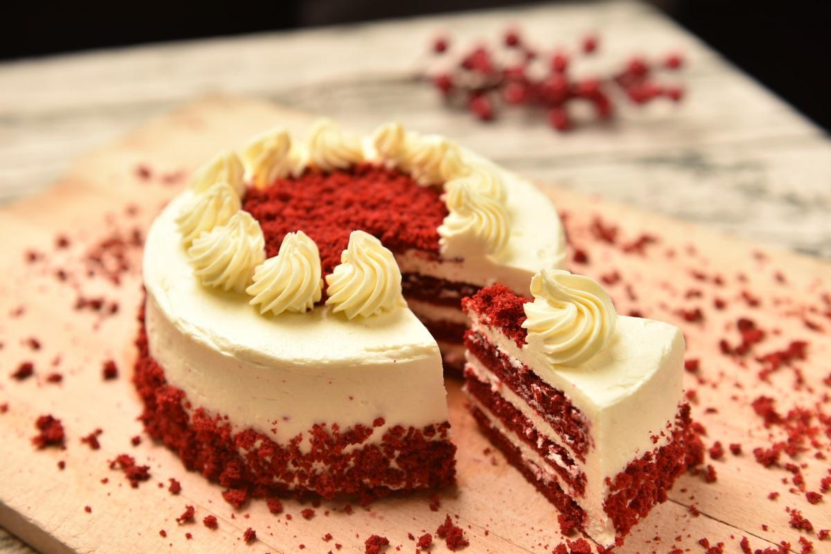"""Торт на день рождения """"Красный бархат""""/ фото pixabay.com"""