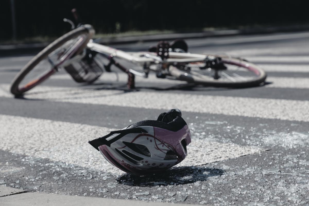 Иллюстративное изображение ДТП с велосипедистом / фото ua.depositphotos.com