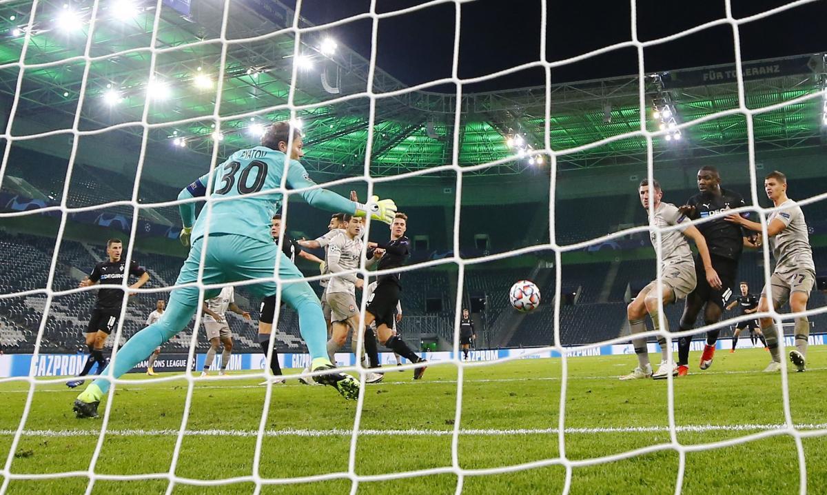 Шахтар пропустив 10 голів від Боруссії у двох матчах / фото REUTERS