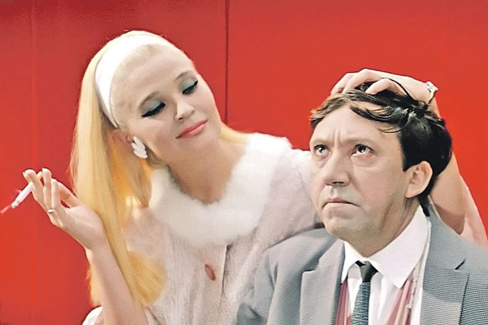 """Cветлана Светличная прославилась после съемок в """"Бриллиантовой руке""""/ кадр из фильма"""