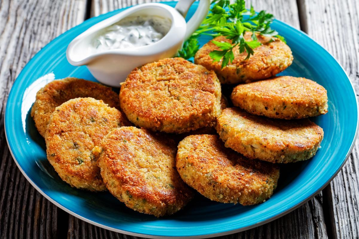 Как приготовить сочные котлеты из рыбы / фото ua.depositphotos.com