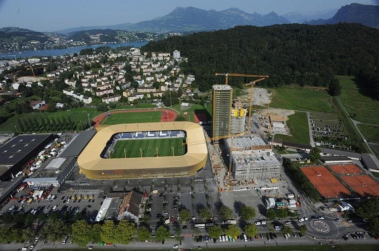 Стадион в Люцерне, на котором должен был пройти матч / фото football.ch