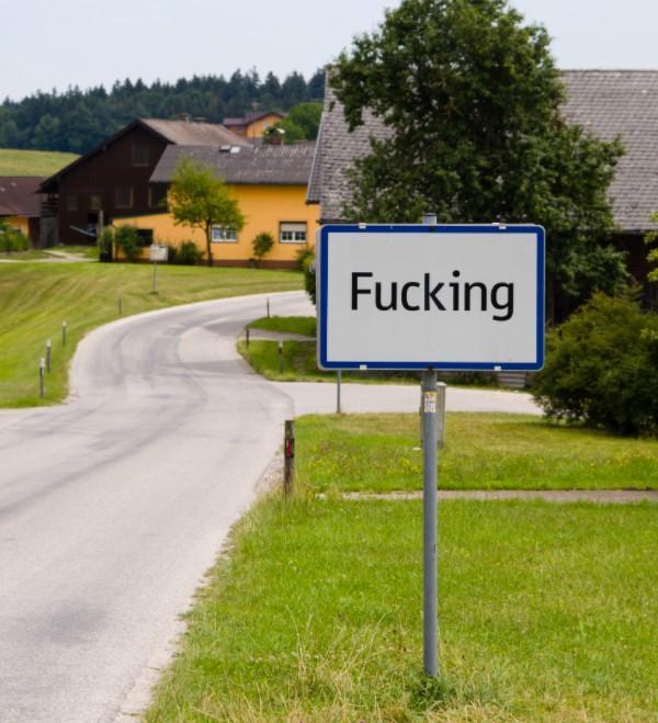 Всемирно известная австрийская деревня сменила название из-за туристов