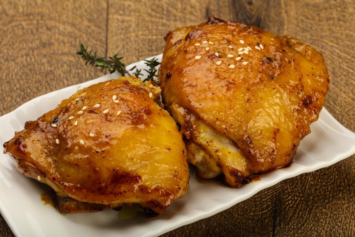 Як приготувати курячі стегна в духовці / фото ua.depositphotos.com