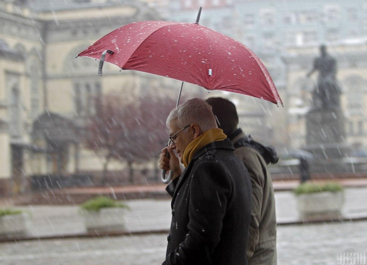 Мокрый снег ожидается в большинстве регионов / фото УНИАН