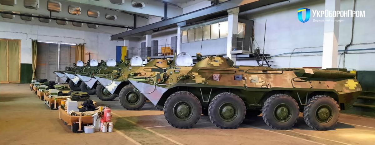 Новые приборы цифровой связи БТР-80 соответствуют стандартам НАТО, говорит директор Николаевского бронетанкового завода / фото Укроборонпром
