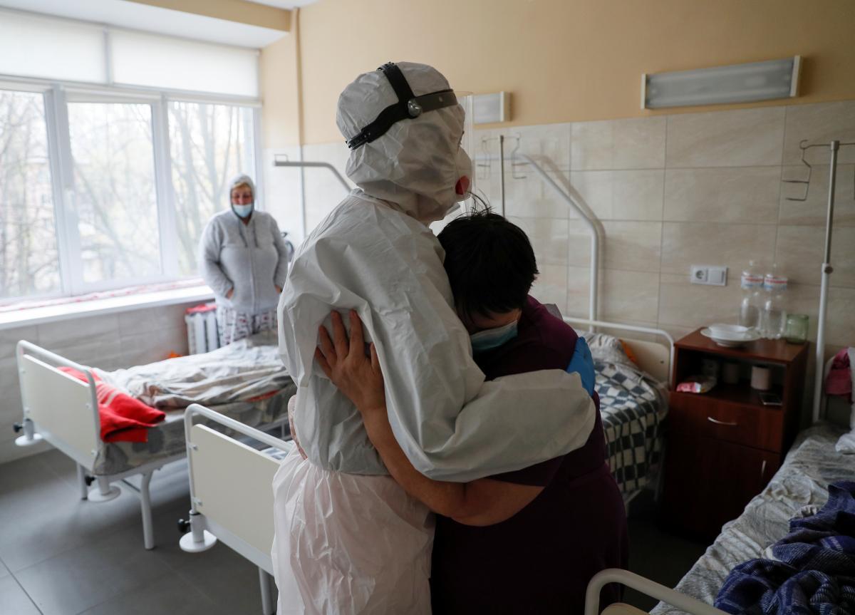 В Украине занято 38% коек для больных коронавирусом / REUTERS