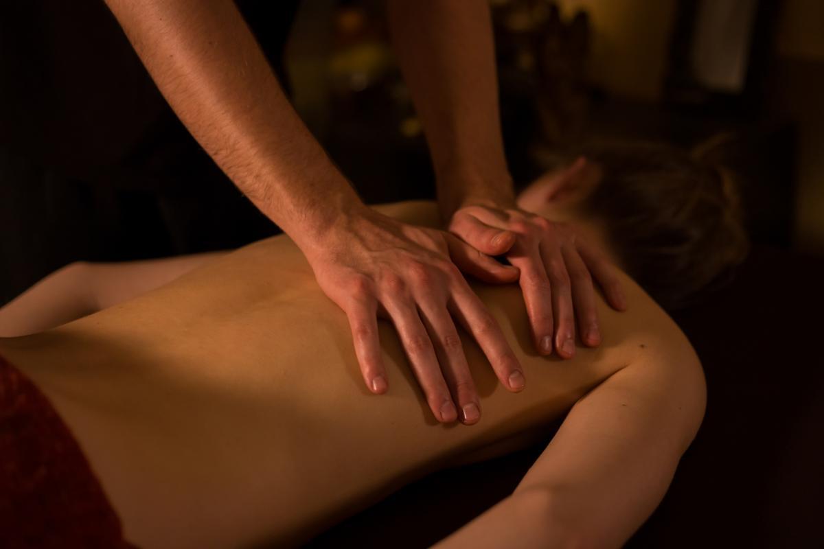 Как сделать эротический массаж еще более приятным и возбуждающим / фотоua.depositphotos.com