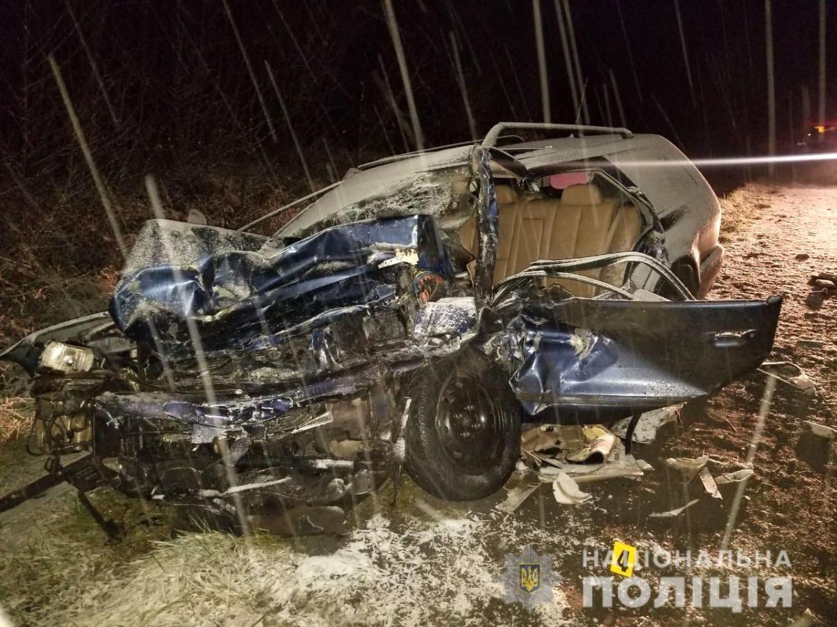 У ДТП на Рівненщині загинула людина, ще кілька постраждали / фото rv.npu.gov.ua