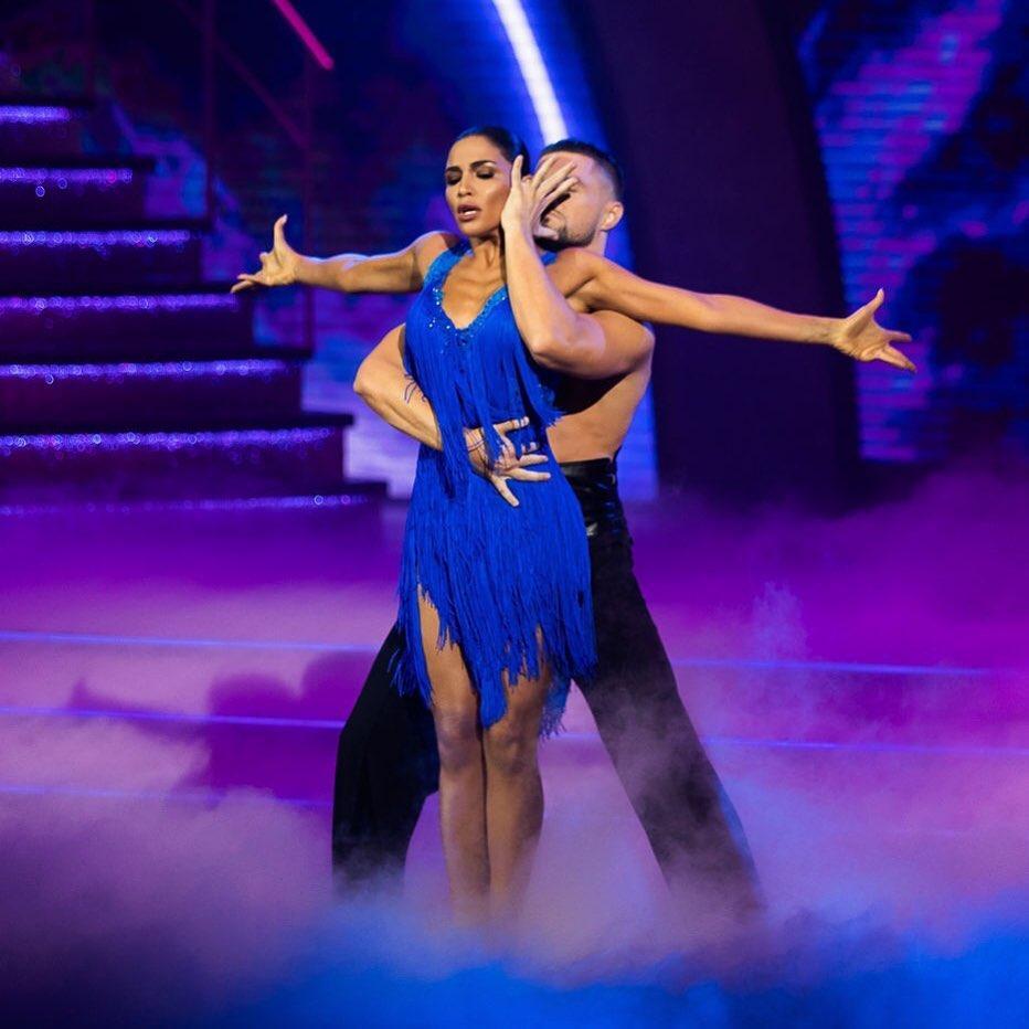 Санта Дімопулос і їхній з Максом Леоновим перший танець у шоу – емоційна самба / фото instagram.com/tanci1plus1