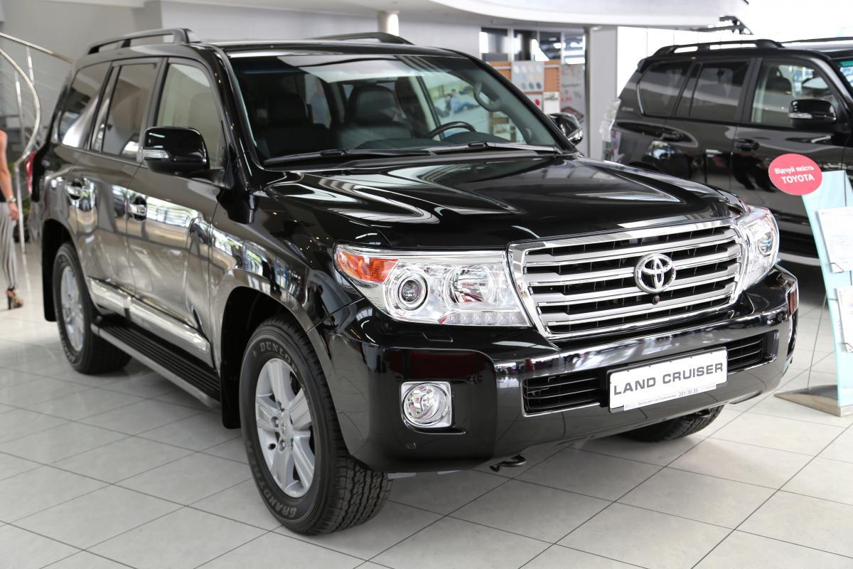 ДБР придбало шість нових автомобілівToyota Land Cruiser / фото ua.depositphotos.com