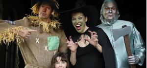 Актриса Милла Йовович показала фото с празднования Хэллоуина