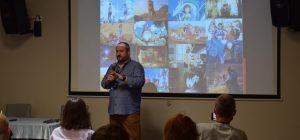 """Аниматор Олег Маломуж: Чтобы угнаться за сборами Дисней, нужны качественный продукт, и их бюджеты на маркетинг. Ведь их масштаб - реклама """"Звездных войн"""" на башне Бурдж Халифа"""