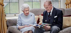 Вместе 73 года: опубликован новый снимок королевы Елизаветы II и принца Филиппа (видео)