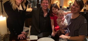 Милла Йовович показала семейное фото с празднования Дня благодарения