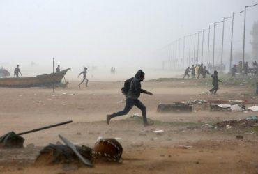 """На Індію налетів циклон """"Нівар"""": є жертви (фоторепортаж)"""