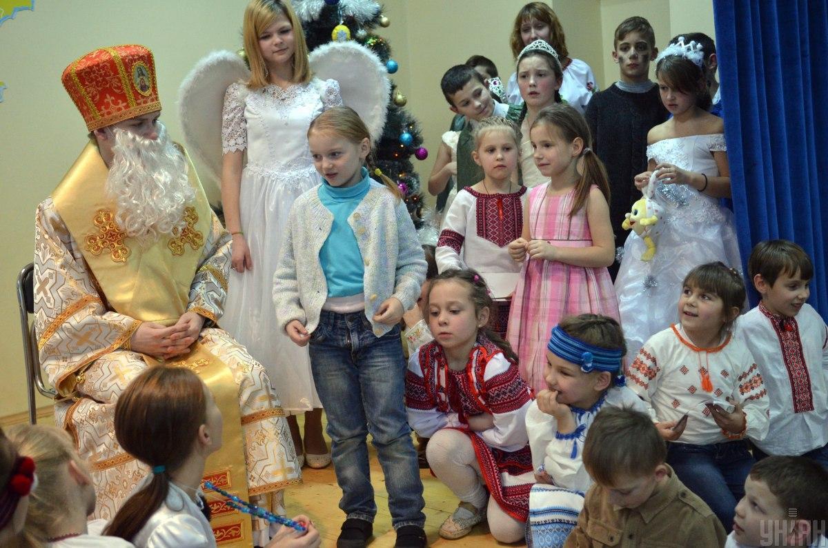 Не знаю ни одного учреждения, где дети остаются без подарков / фото УНИАН, Валерий Шмаков