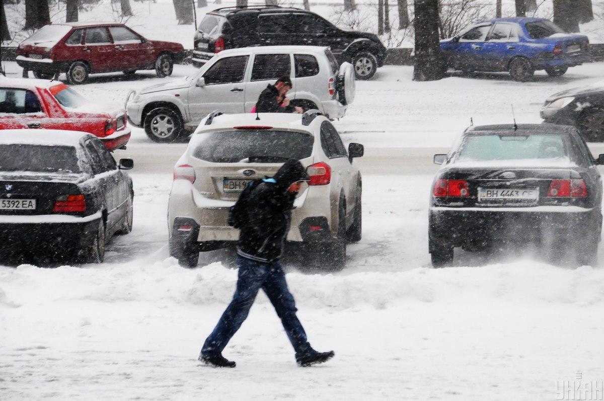 Ситуация на дорогах Киева утром 19 января /фото УНИАН