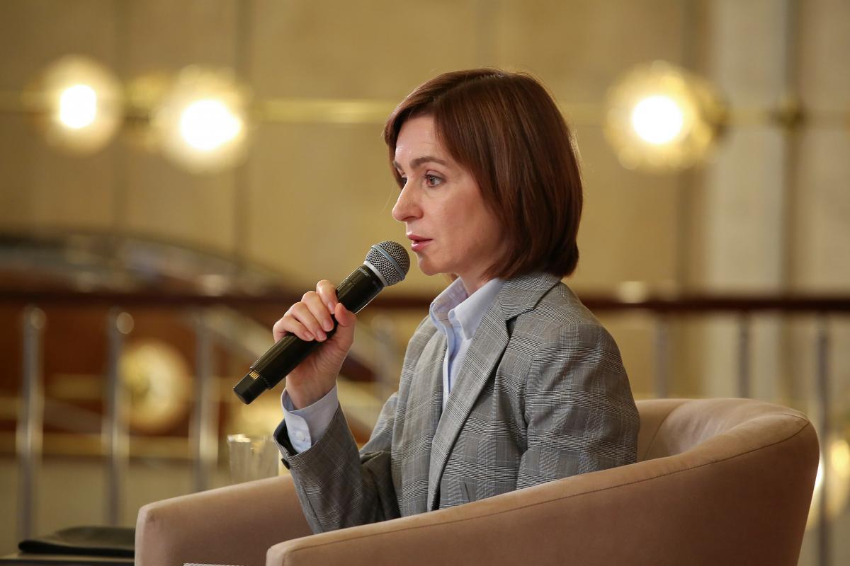 Выборы в Молдове-Санду заявила о попытке захвата власти Додоном / REUTERS