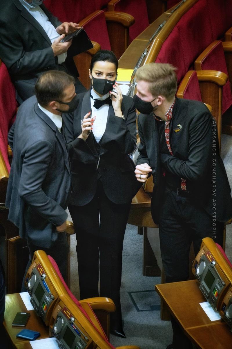 Дмитриева надела костюм с бабочкой / apostrophe.ua