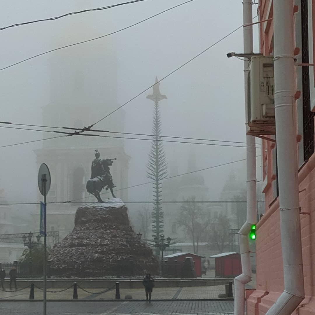 В Киеве из-за тумана очень низкая видимость / Соцсети
