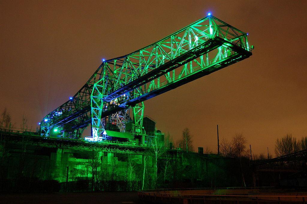 Вечірнє підсвічування в «Дуйсбург-Норд» / фото de.wikipedia.org