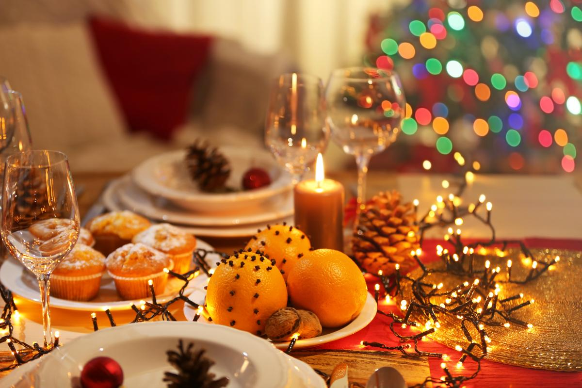 Новогоднее меню - блюда на новогодний стол 2021 / фото ua.depositphotos.com