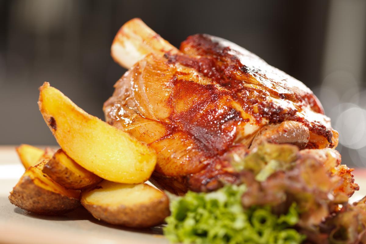 Рецепт вкусной свиной рульки / фото ua.depositphotos.com