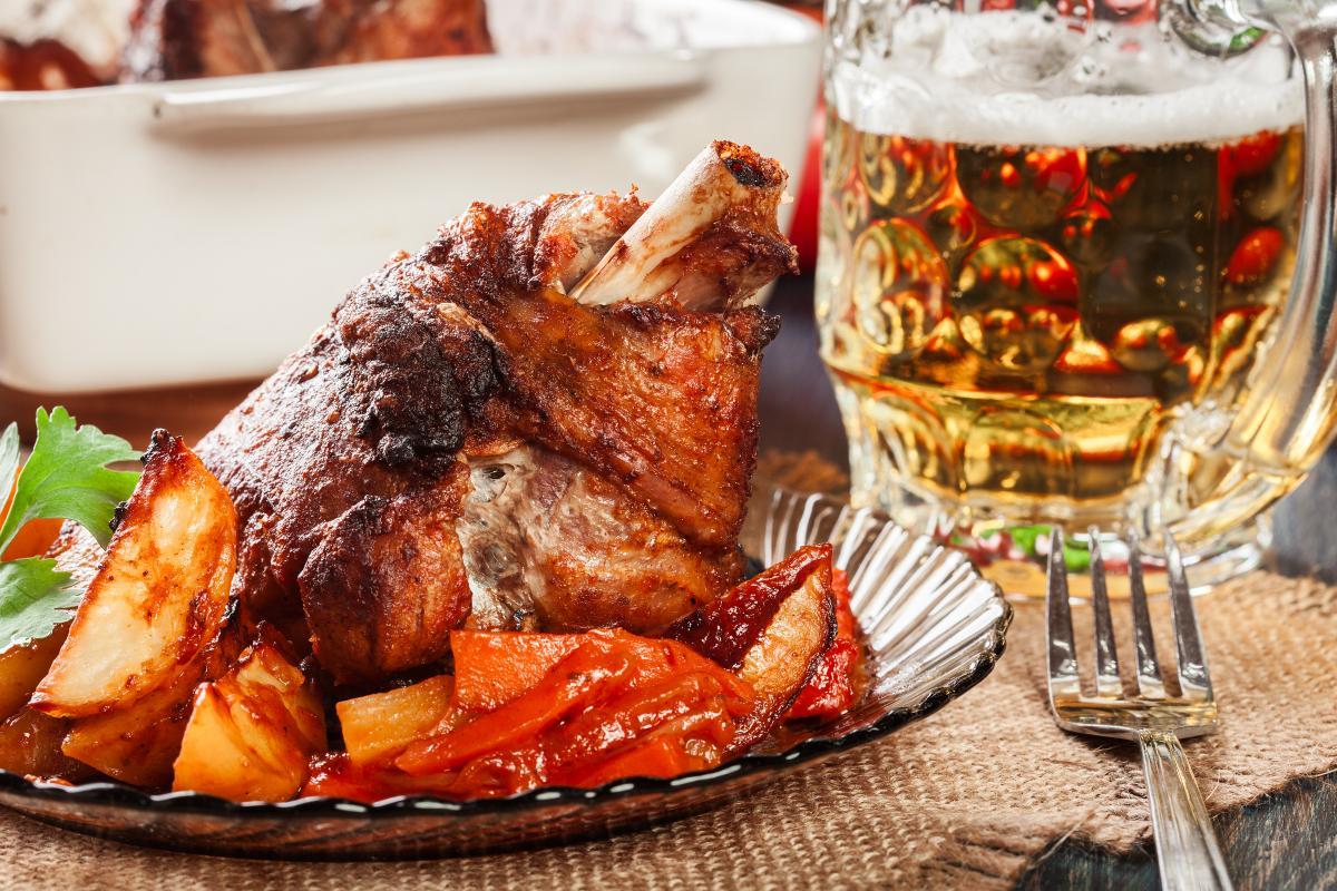 Как приготовить свиную рульку / фото ua.depositphotos.com