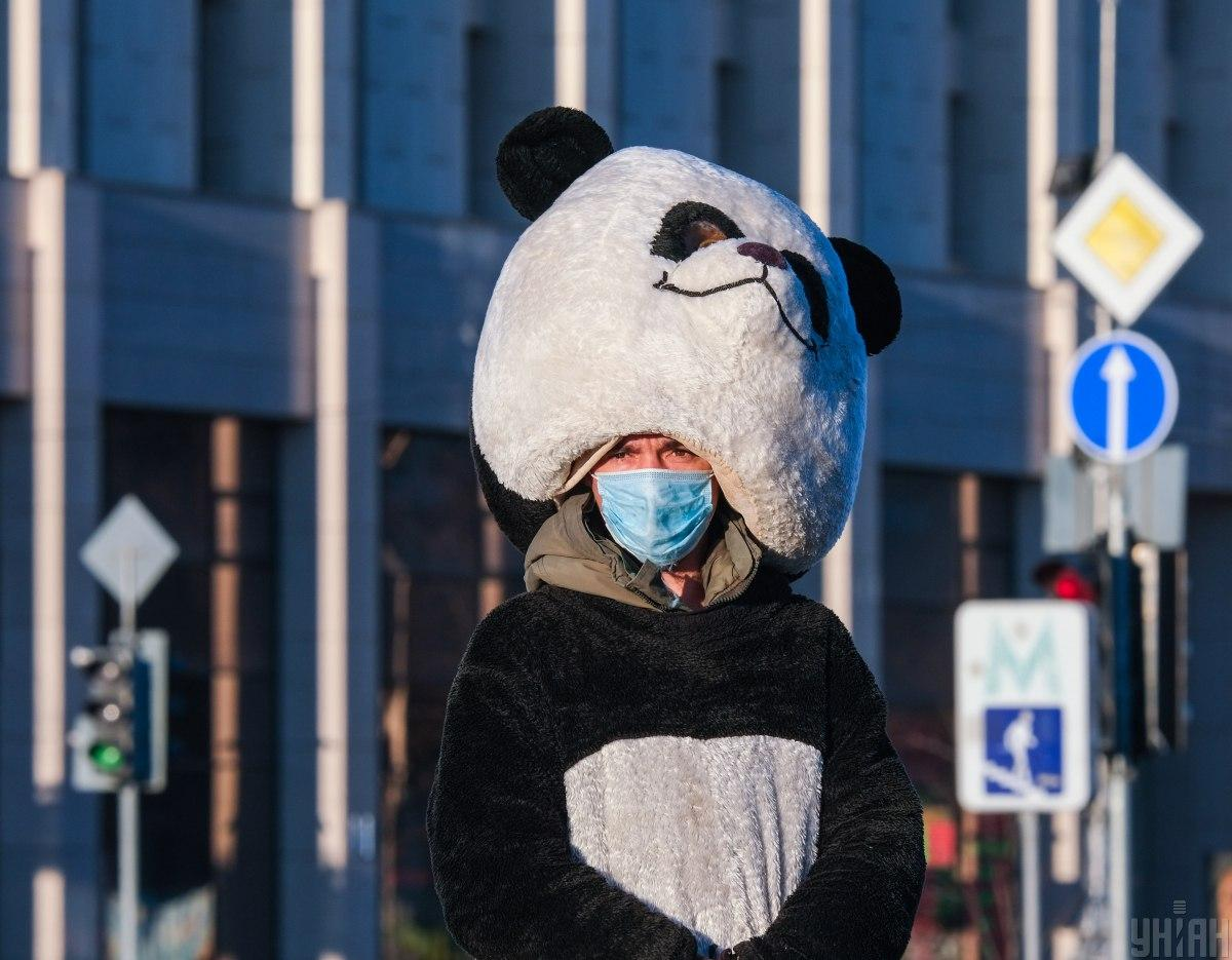 Kyiv official explains new requirement to wear face masks outdoors / Photo from UNIAN