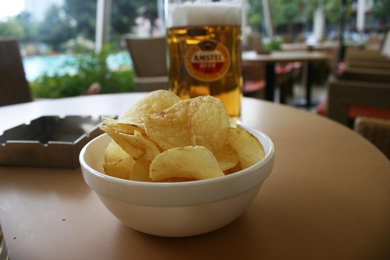 Отходы от производства чипсов смешают с газом от брожения пива / фото Flickr/Quinn Dombrowski