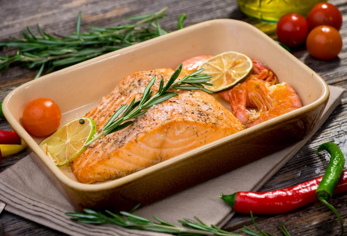 Запеченная в духовке рыба - рецепт / фото ua.depositphotos.com