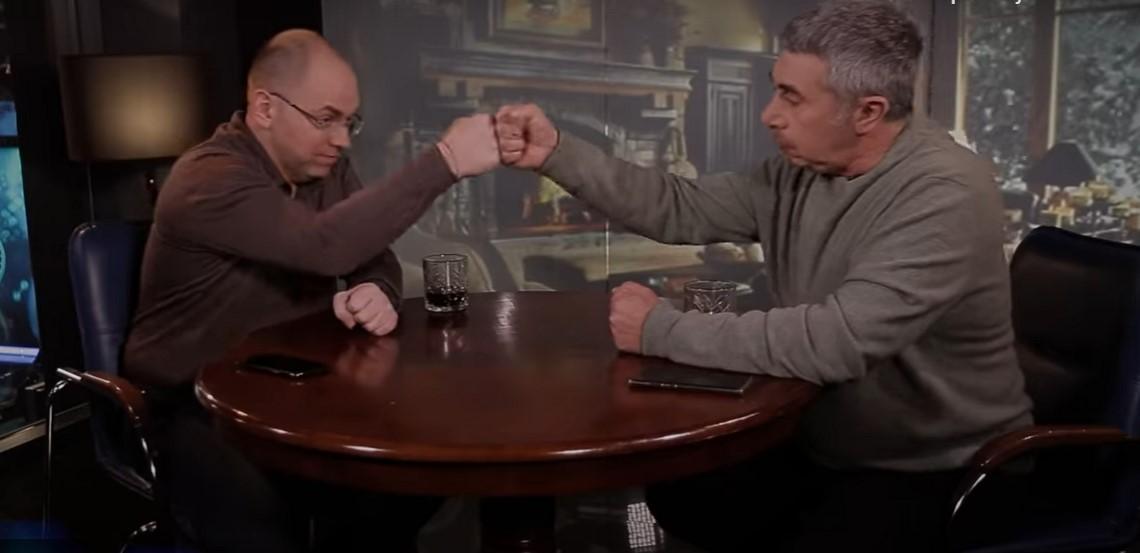 Доктор Комаровский пригласил в гости Максима Степанова / серин видео