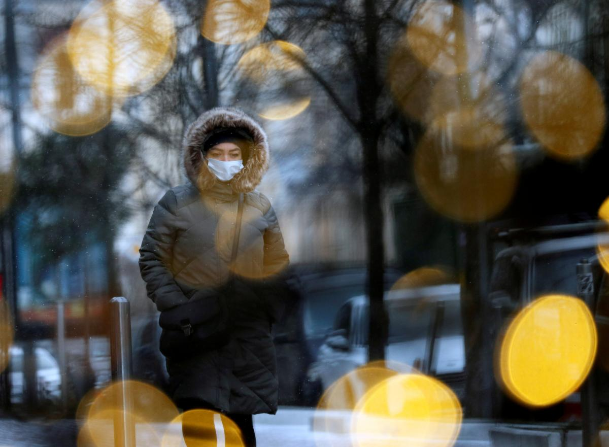 Kyiv mayor reports almost 1,700 new COVID-19 cases, 23 deaths as of December 12 / REUTERS