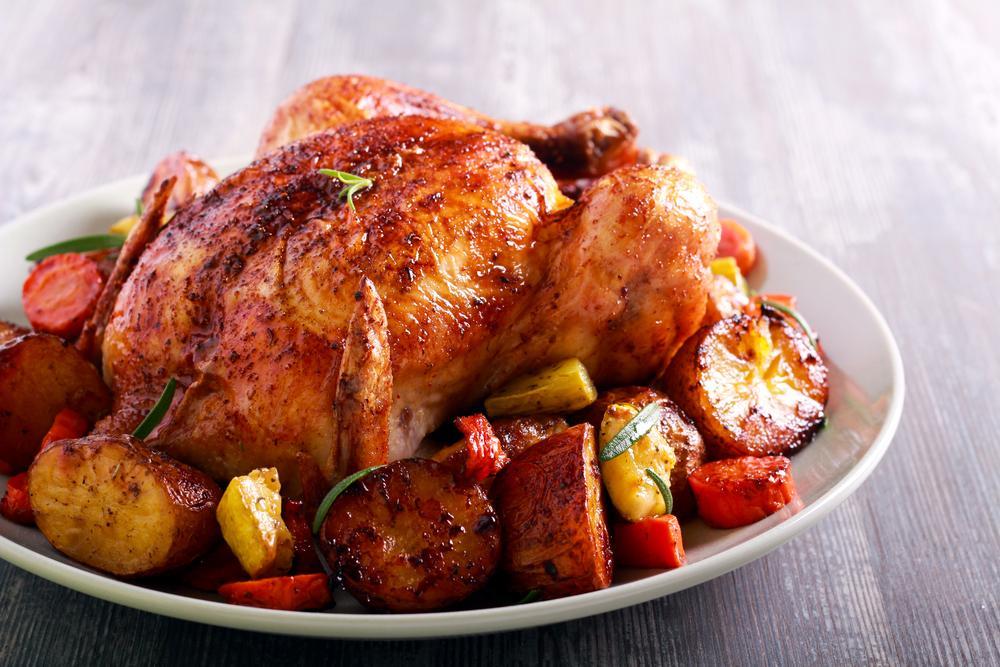 Запеченная курица в духовке / фото ua.depositphotos.com