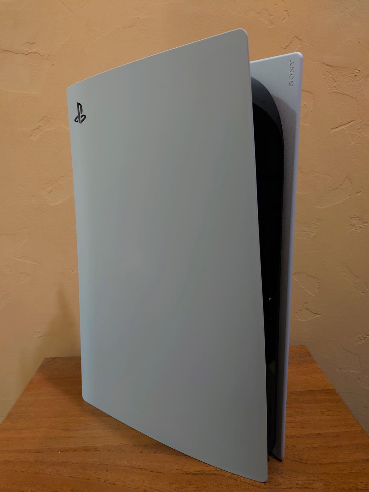 Передняя часть PS5 / фото УНИАН