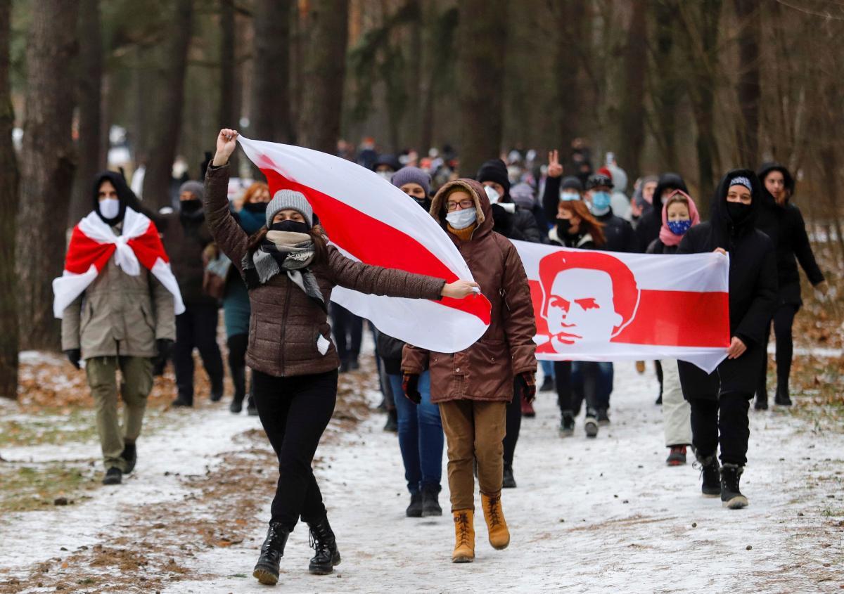 Лідери опозиції Білорусі кинулись засновувати окремі партії / фото REUTERS