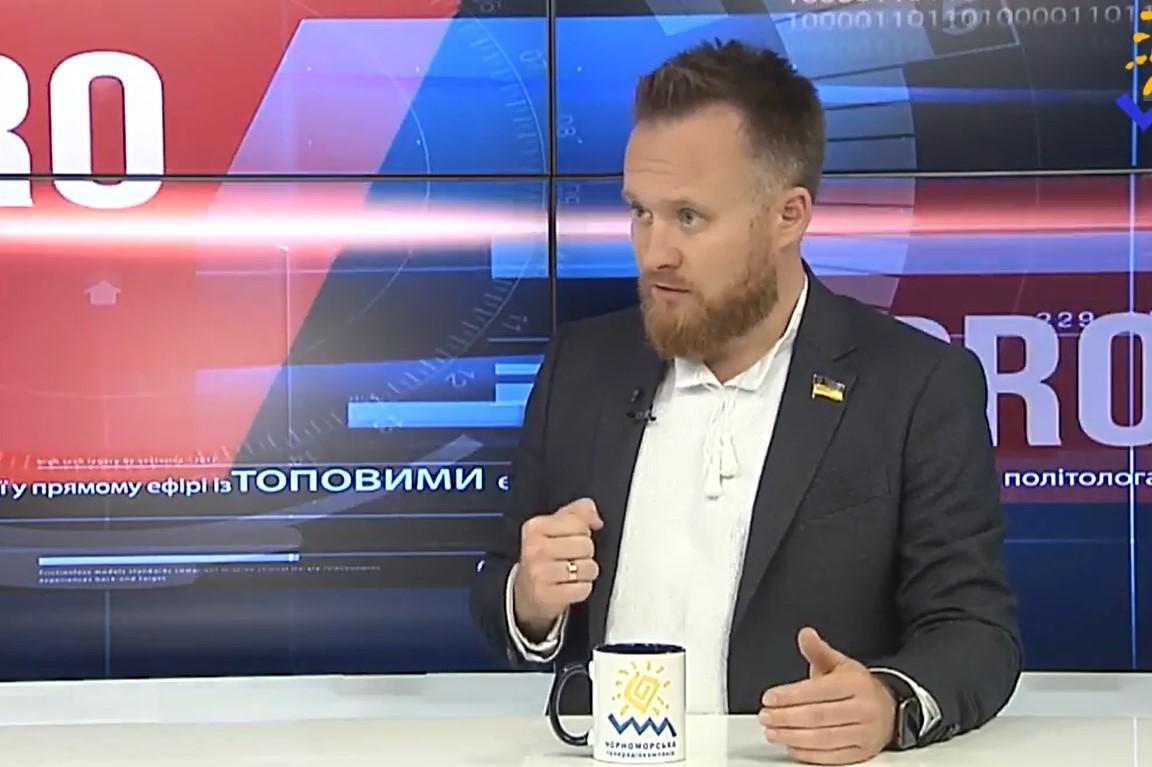 Юрий Камельчук руссуждает о мировом заговоре/ Скриншот с видео