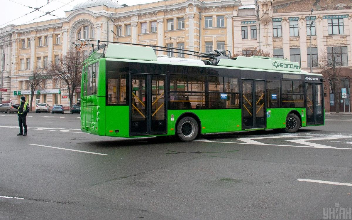 Харьковские водители будут выдавать маски пассажирам / фото УНИАН