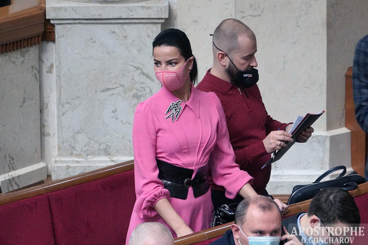 Депутат показала стильный образ / apostrophe.ua