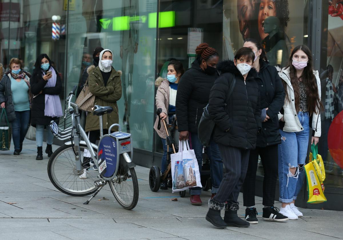 В Германии рассказали, когда удастся взять под контроль пандемию COVID-19 / фото REUTERS