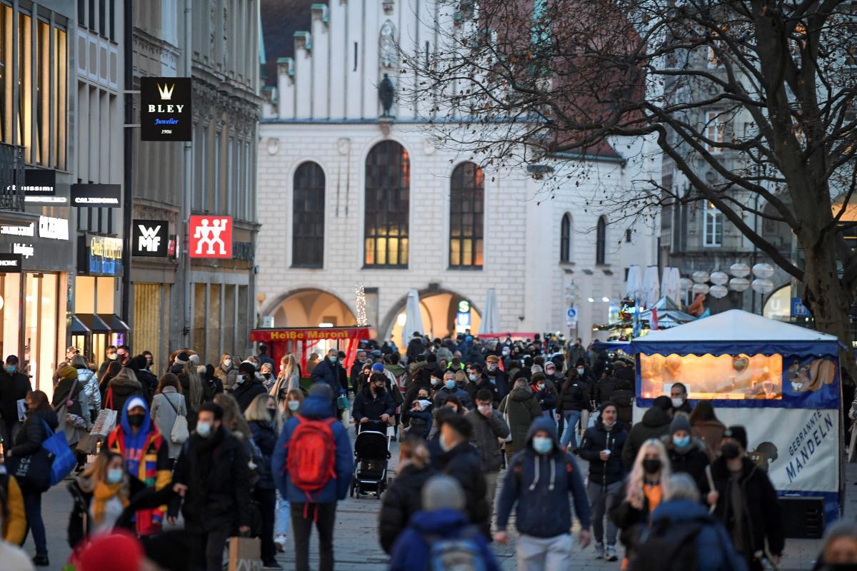 У Німеччині після довгої перерви відкрилися перукарні \ фото REUTERS