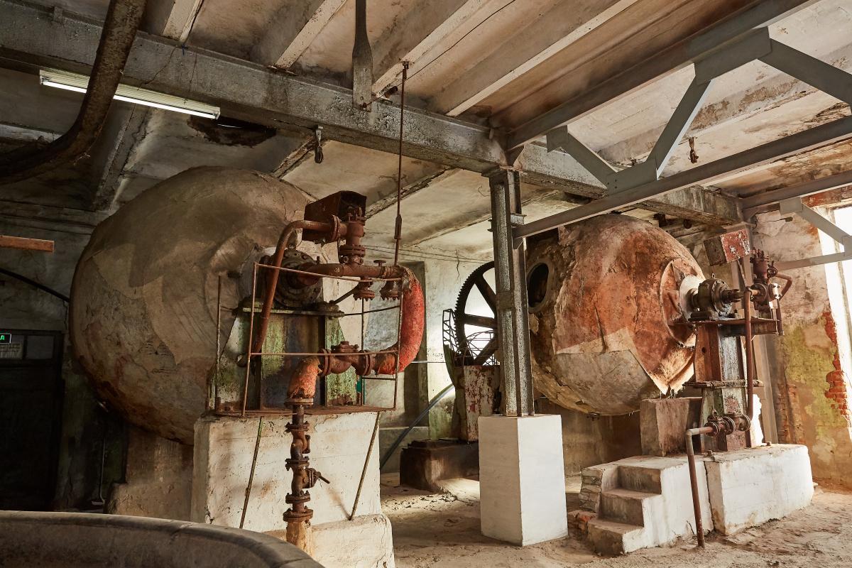 У 30-х у варових котлах виварювали ганчір'я, солому та таким чином робили папір / фото музею