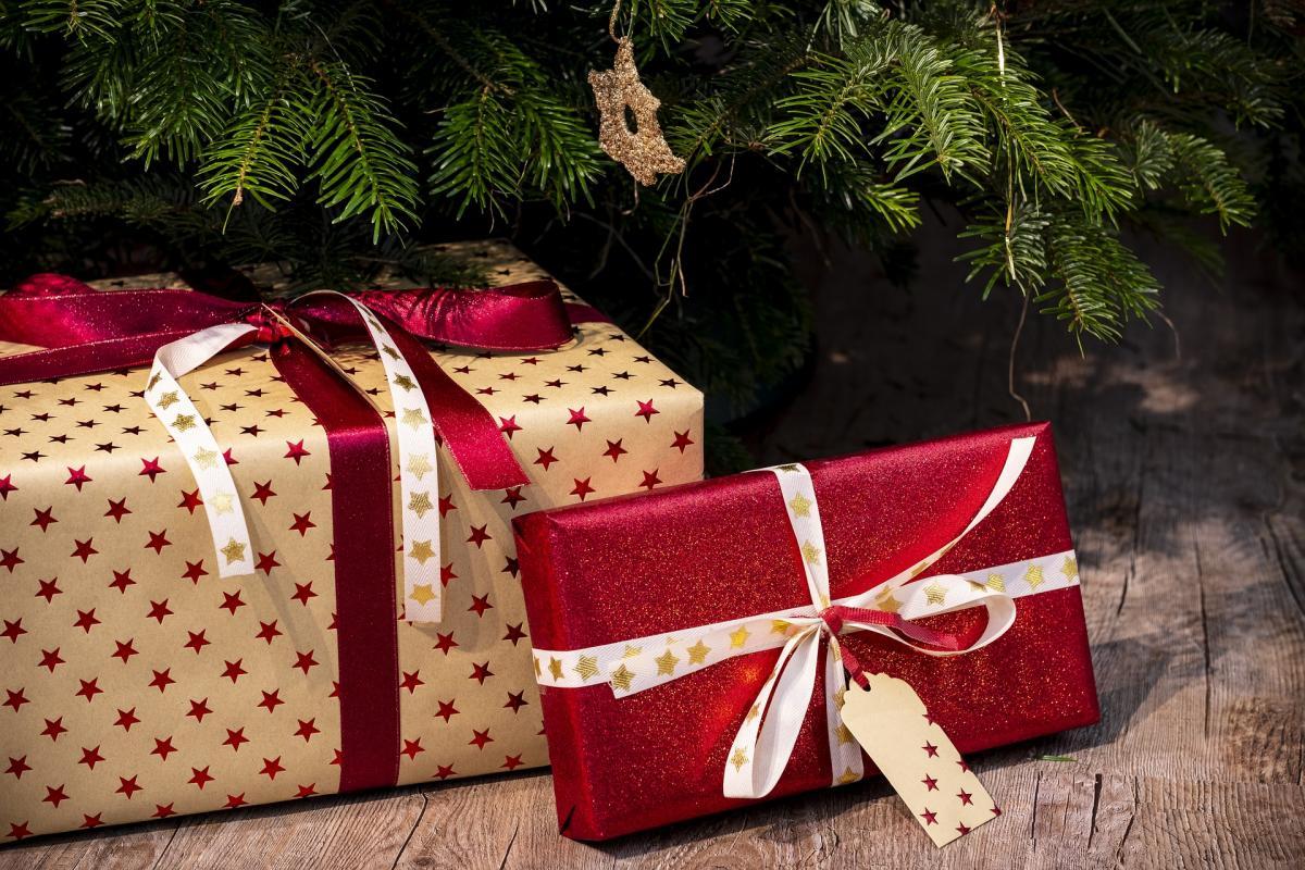 Подарки для отца и матери на Новый год / pixabay.com