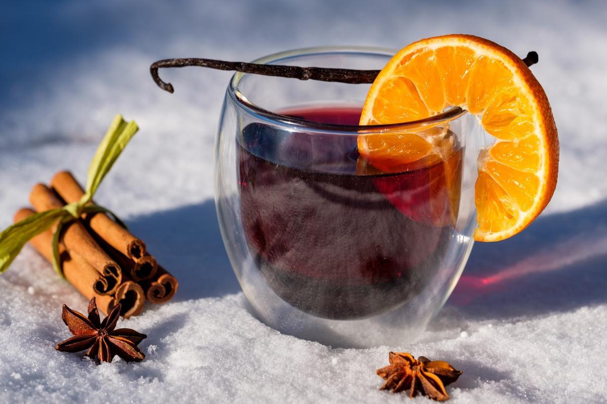 Глинтвейн на новогоднее застолье - рецепт / фото pixabay.com