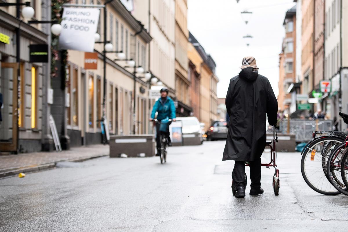 Ужесточают карантинв Швеции / фото REUTERS