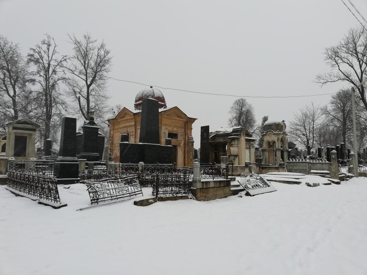Єврейський цвинтар в Чернівцях / фото Марина Григоренко