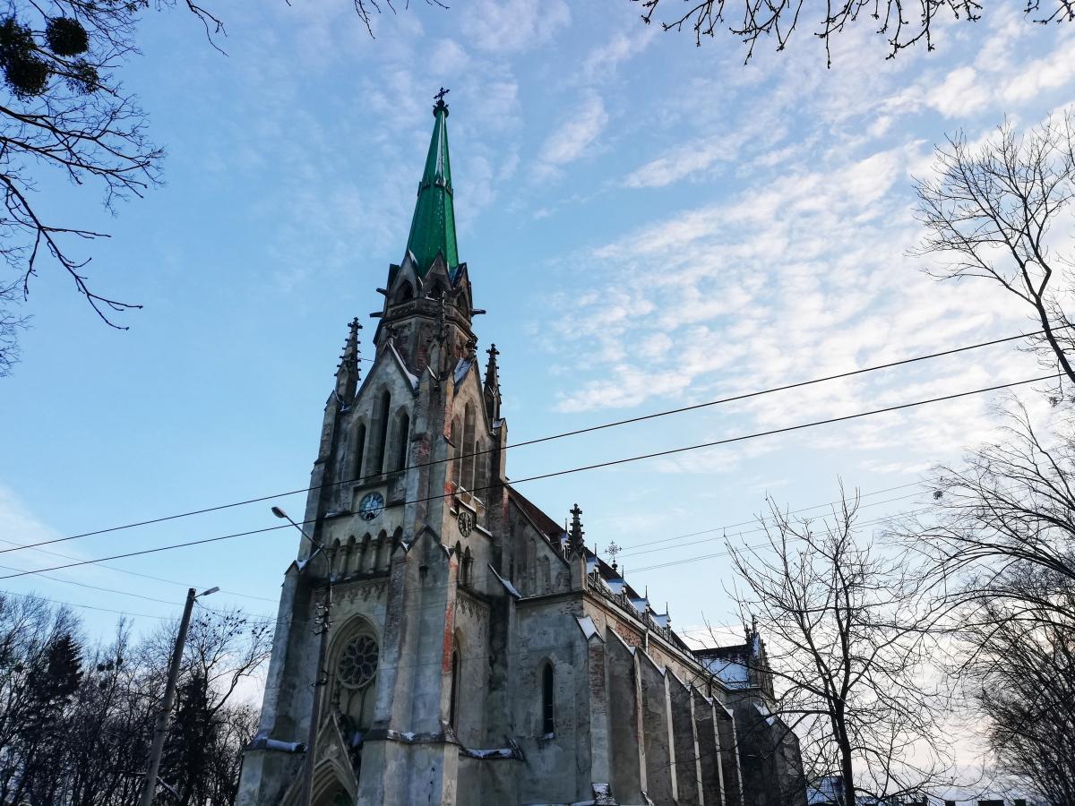Єзуїтський костел у Чернівцях / фото Марина Григоренко