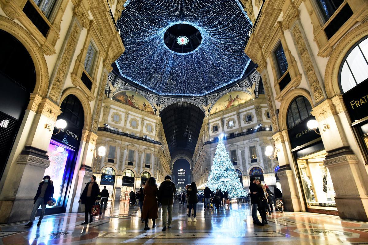 Коронавирус новости - Италия вводит зимний локдаун / REUTERS